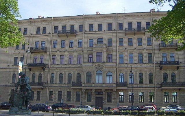 Гостиница Dostobrodsky near Hermitage 1 room вид на фасад