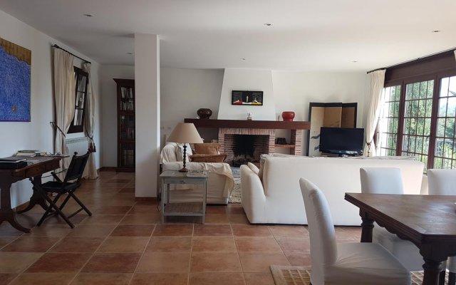 Отель Villa Pantanal in Golf Costa Brava комната для гостей