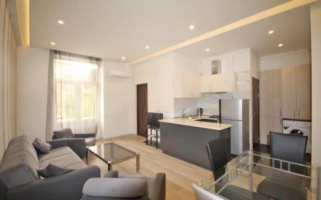 Отель Luxury Appartment at Abovyan street Армения, Ереван - отзывы, цены и фото номеров - забронировать отель Luxury Appartment at Abovyan street онлайн комната для гостей