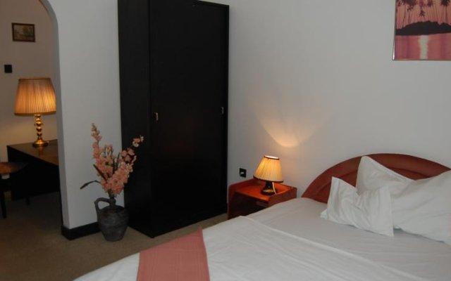 Отель Cziráky Panzió комната для гостей