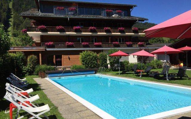 Hotel Arc En Ciel бассейн