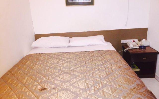 Отель Gold Plaza Guest House комната для гостей