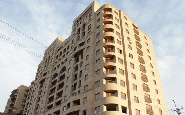 Апартаменты Rent in Yerevan - Apartments on Sakharov Square вид на фасад