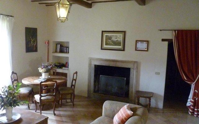 Отель Della Genga La Pieve Suite Сполето комната для гостей
