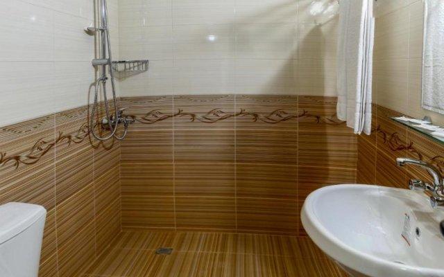 Отель Five Stars Spa Hotel Болгария, Ардино - отзывы, цены и фото номеров - забронировать отель Five Stars Spa Hotel онлайн ванная