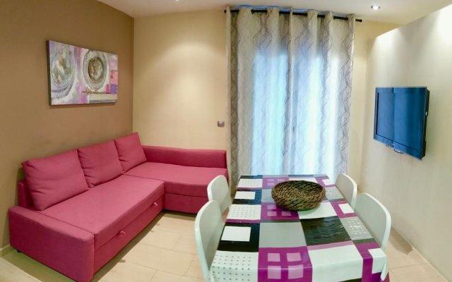 Отель Bed and Go Apartments Lloret Испания, Льорет-де-Мар - отзывы, цены и фото номеров - забронировать отель Bed and Go Apartments Lloret онлайн комната для гостей