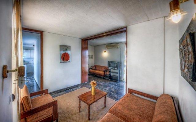 Zina Hotel Apartments комната для гостей