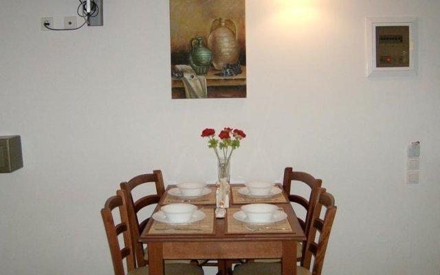 Апартаменты Sunshine Studios & Apartments комната для гостей