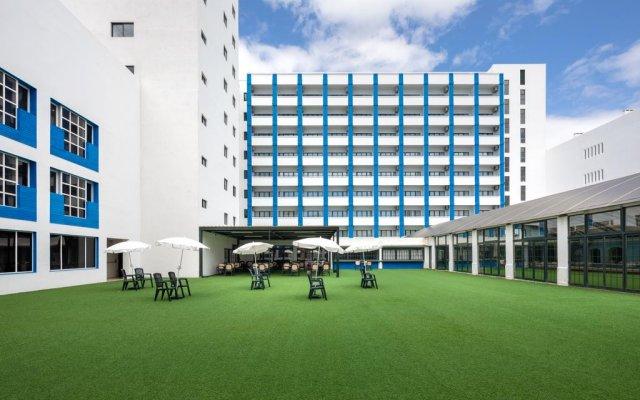 Hotel Navegadores спортивное сооружение