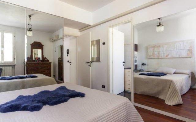 Отель La Mansarda Di Fellini комната для гостей