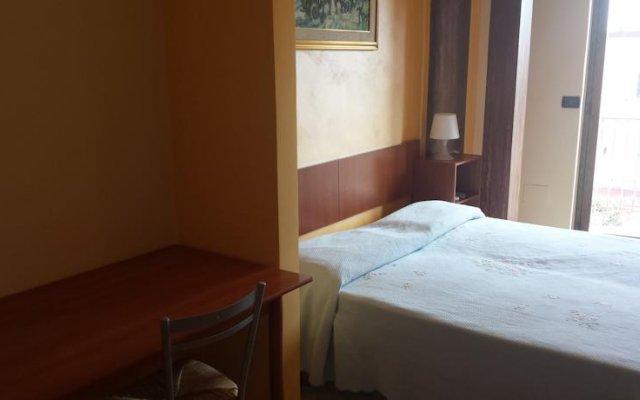 Отель Appartamenti Centrali Giardini Naxos Джардини Наксос комната для гостей