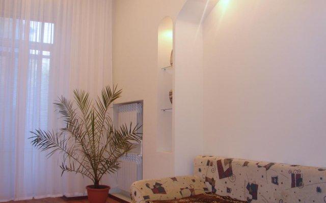 Апартаменты Home Center Kiev Apartments комната для гостей