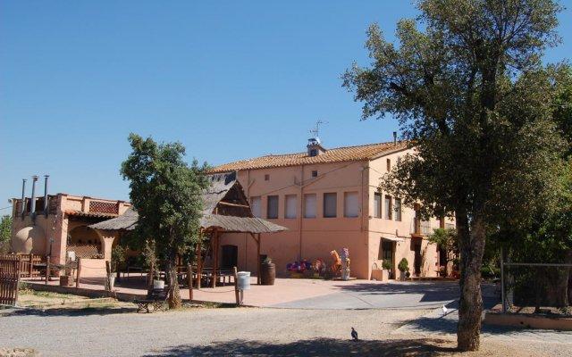 Отель Masia Can Sala вид на фасад
