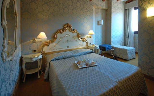 Hotel Torino комната для гостей