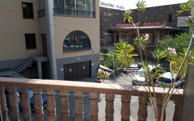 Manand Hotel вид на фасад