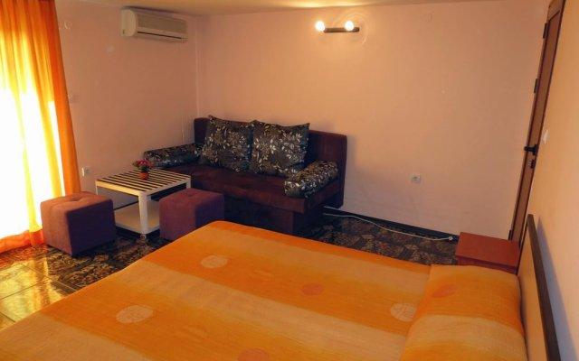 Family Hotel Lebed комната для гостей