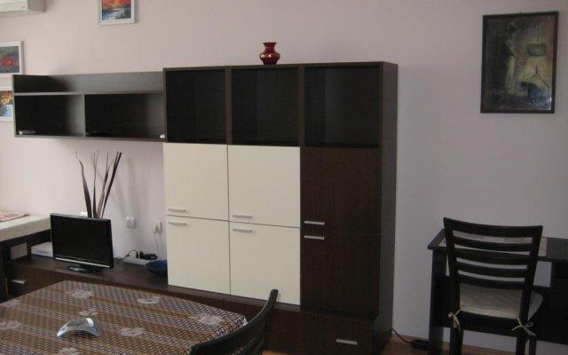 Отель Classic Apartment Болгария, Поморие - отзывы, цены и фото номеров - забронировать отель Classic Apartment онлайн комната для гостей