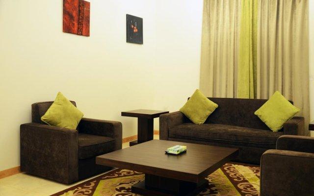 Отель Atwaf Suites комната для гостей