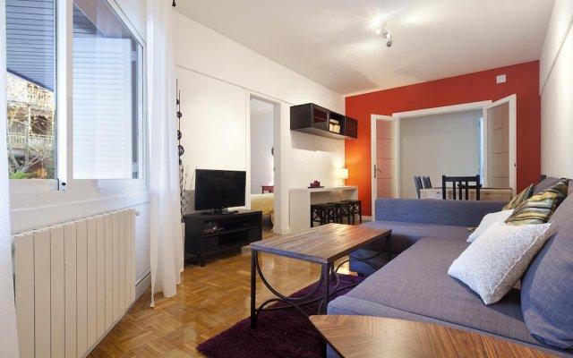 Апартаменты Arco De Triunfo Apartment Барселона комната для гостей