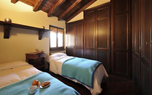 Отель La Piazza Porlezza Порлецца комната для гостей