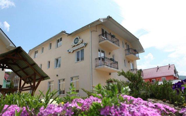 Гостиница Edelweiss вид на фасад