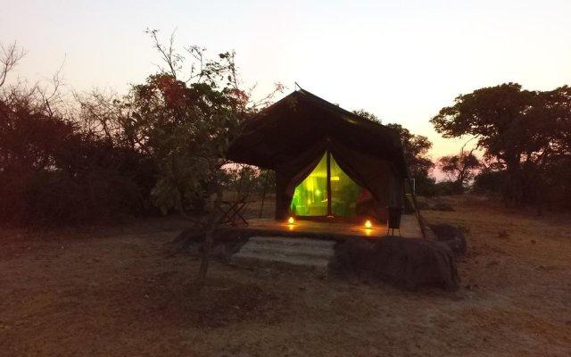 Kubu Kweena Lodge