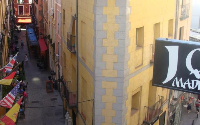 Отель Hostal JQ Madrid 1 вид на фасад