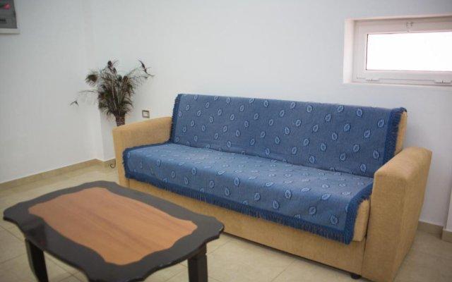 Отель Aleksander Apartments Албания, Ксамил - отзывы, цены и фото номеров - забронировать отель Aleksander Apartments онлайн комната для гостей