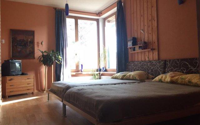 Отель Vilavi Place for a Large Company Латвия, Юрмала - отзывы, цены и фото номеров - забронировать отель Vilavi Place for a Large Company онлайн комната для гостей
