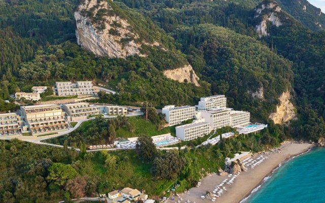Отель Mayor La Grotta Verde Grand Resort - Adults Only - All Inclusive пляж