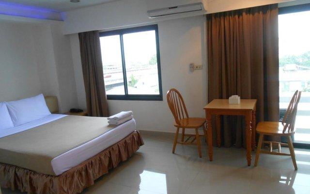 The Tower Praram 9 Hotel Бангкок комната для гостей