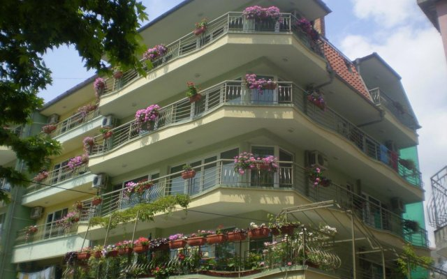 Отель Guest House Ekaterina вид на фасад