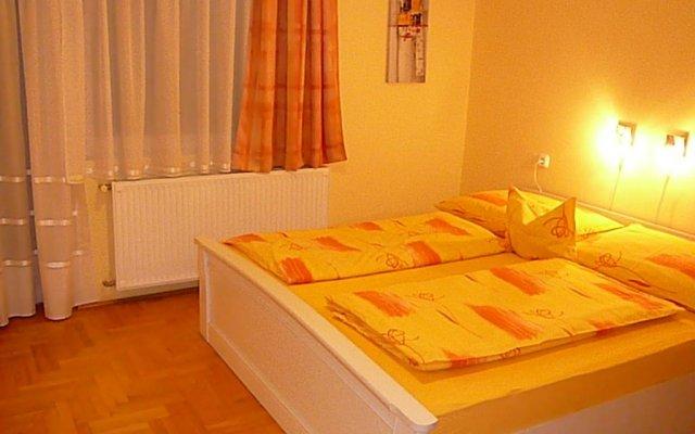 Отель Erika Apartman Венгрия, Хевиз - отзывы, цены и фото номеров - забронировать отель Erika Apartman онлайн комната для гостей
