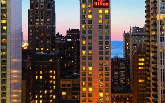Отель Hilton Suites Chicago/Magnificent Mile вид на фасад