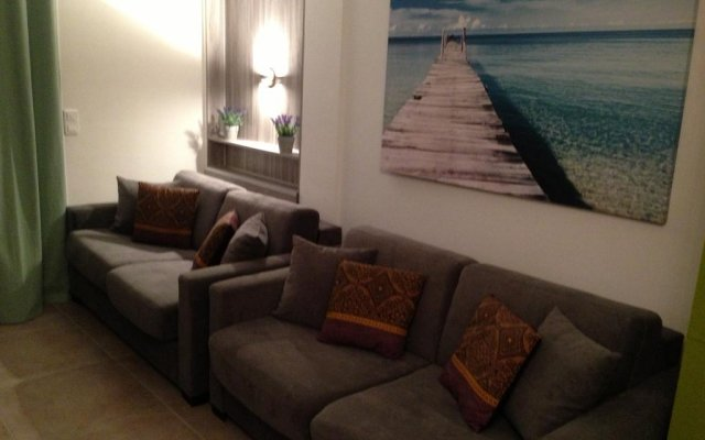 Апартаменты Studio on the Croisette with sea view комната для гостей