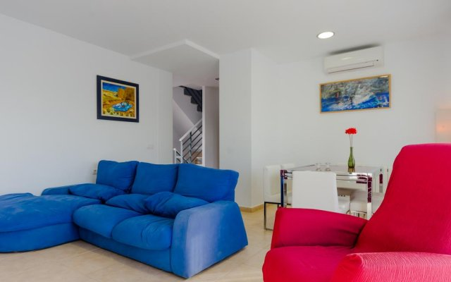 Отель Villa Almadraba Испания, Кониль-де-ла-Фронтера - отзывы, цены и фото номеров - забронировать отель Villa Almadraba онлайн комната для гостей