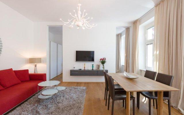 Апартаменты Sky Residence - Business Class Apartments City Centre Вена комната для гостей