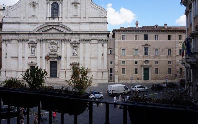Отель Piazza del Gesù Luxury Suites Италия, Рим - отзывы, цены и фото номеров - забронировать отель Piazza del Gesù Luxury Suites онлайн вид на фасад