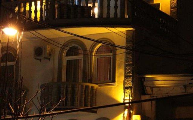 Отель B&B Old Tbilisi вид на фасад