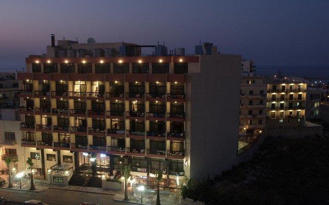 Canifor Hotel вид на фасад