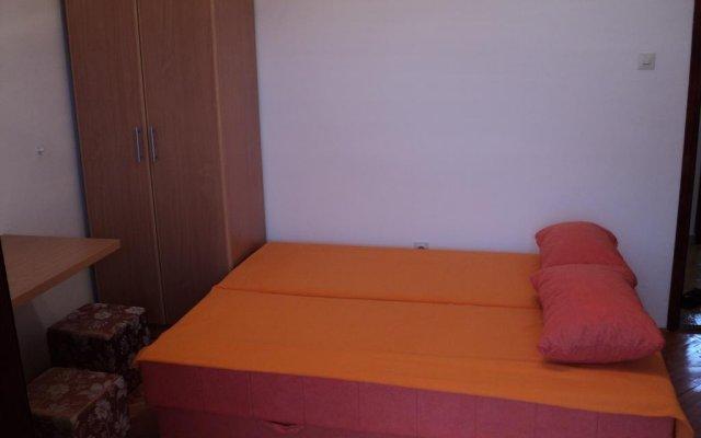 Апартаменты Apartments Škaljari комната для гостей
