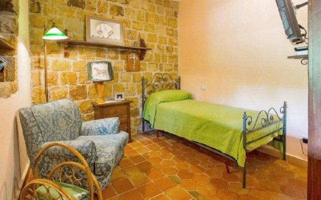 Отель Holiday Home Via Donnola Чефалу комната для гостей