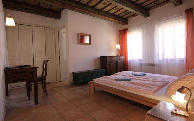 Отель Vlasska House At the 3 Swallows Чехия, Прага - отзывы, цены и фото номеров - забронировать отель Vlasska House At the 3 Swallows онлайн комната для гостей