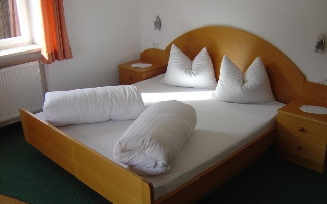 Отель Pension Villa Claudia Augusta Горнолыжный курорт Ортлер комната для гостей
