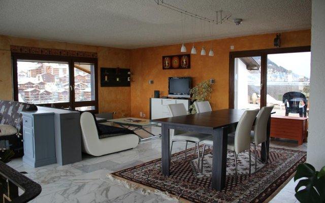 Отель Nendazinsolite Нендаз комната для гостей