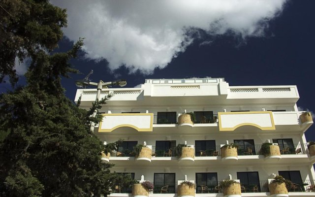 Hotel Marina Rio вид на фасад