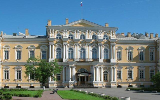 Hostel Podvodnaya Lodka вид на фасад