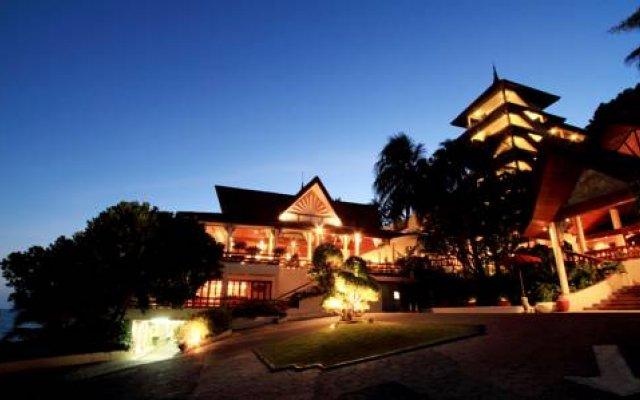 Отель The Royal Phuket Yacht Club вид на фасад