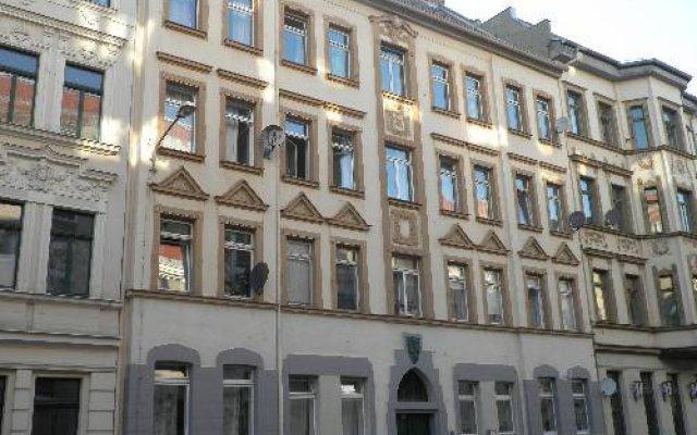 Отель B&B Hostel Elisa Германия, Лейпциг - отзывы, цены и фото номеров - забронировать отель B&B Hostel Elisa онлайн вид на фасад