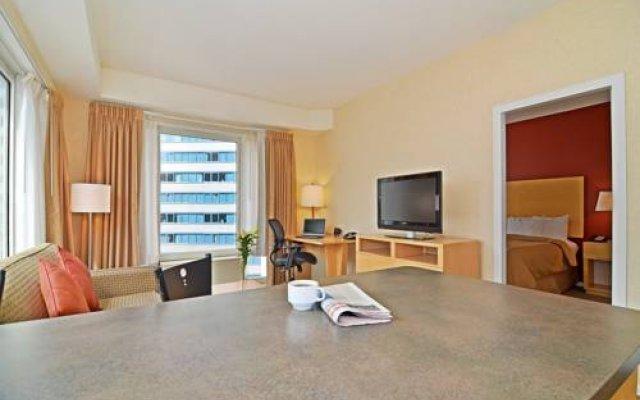 Comfort Suites Michigan Avenue Loop 1
